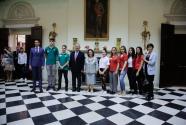 Savremena's students at the White Palace